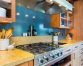 7-2-essence-of-kailua_kitchen2
