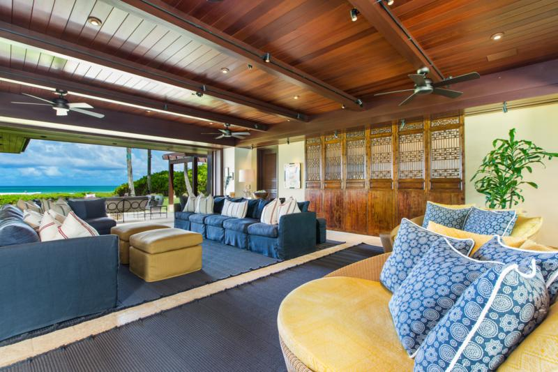 8-essence-of-kailua_living-tv-room2