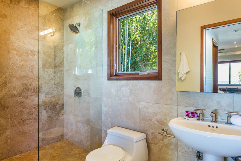 17-lanikai-hillside_bath-for-br3