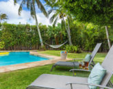 2-hale-niuiki_pool-lounge-chairs
