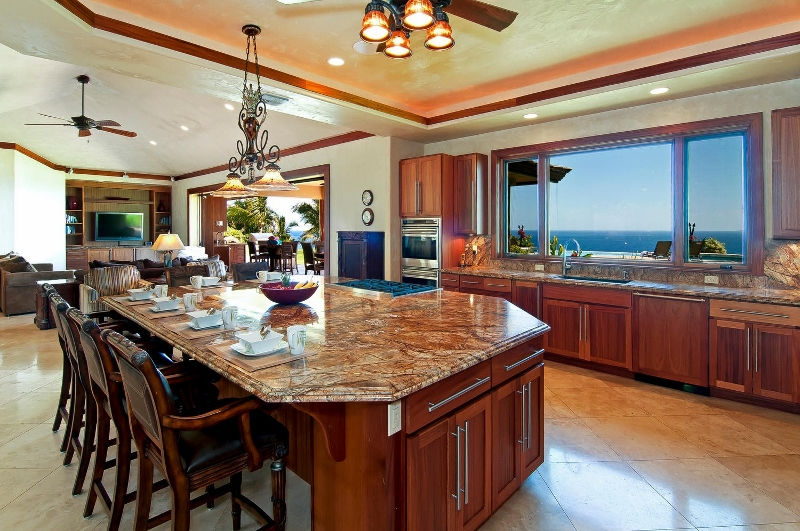 30-pacific-view_kitchen2-800x531