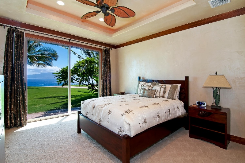 48-pacific-view_bedroom1-alt2-800x531