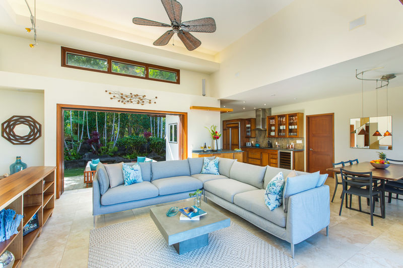 8-lanikai-hillside_living2