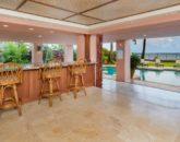 11-hawaiian-estate_lanai-bar_dsc09167-800x534