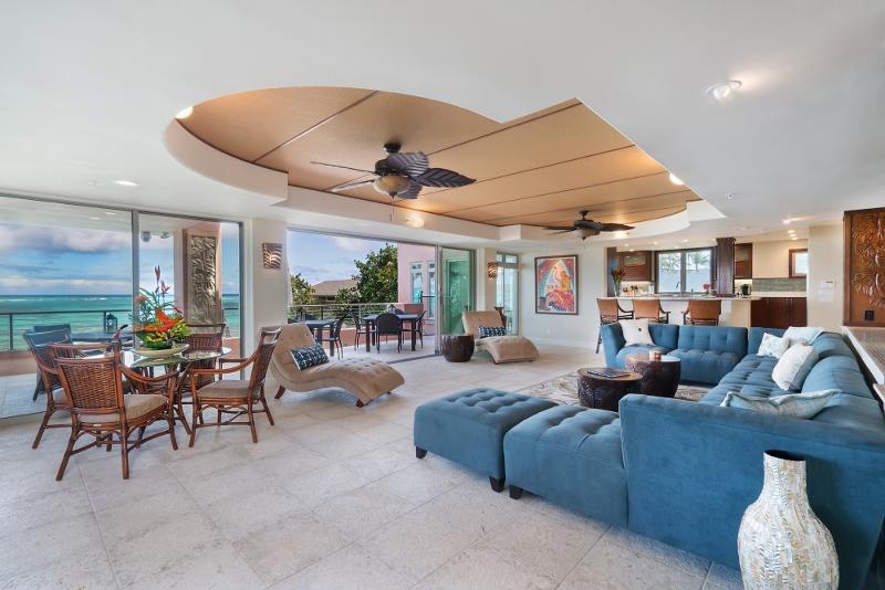 21-hawaiian-estate_living4_dsc00122-800x534