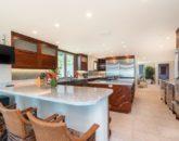 30-hawaiian-estate_kitchen-bar-seating_dsc00324-800x534