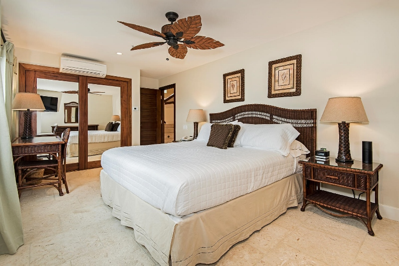 42-hawaiian-estate_bedroom1b_41543-kalanianaole-hwy-large-020-15-dsc-5359-1499x1000-72dpi-800x534