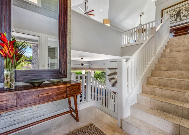15-palm-villa-140b_stairs