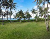 6-serenity-villa_yard-to-beach-800x534