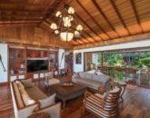 18-luxury-oasis_family2-800x534