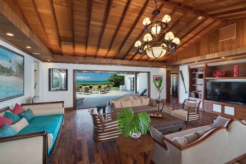 19-luxury-oasis_family-800x534