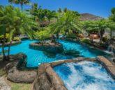 2-luxury-oasis_pool-and-jacuzzi-800x534