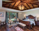24-luxury-oasis_bedroom1-alt-view-800x534