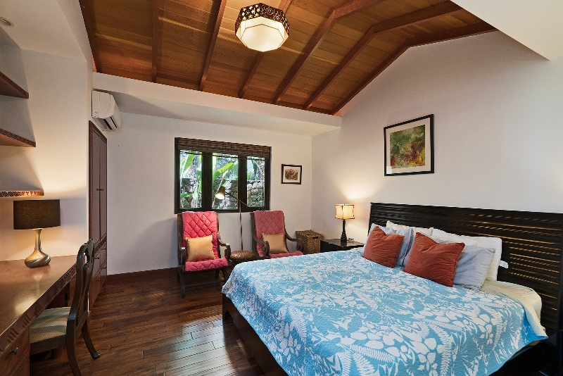 26-luxury-oasis_bedroom3-800x534
