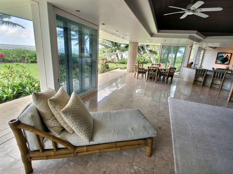 6-anini-beachfront_lounge2-800x600