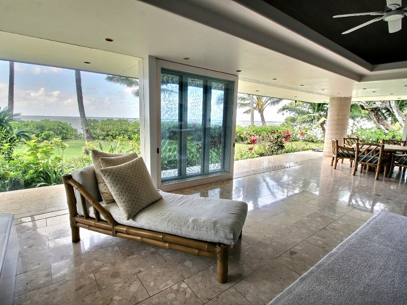 7-anini-beachfront_lounge-800x600
