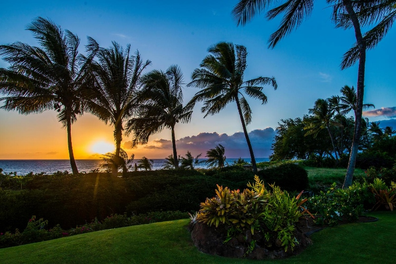 7-hawaiiana-hale_sunset-800x534