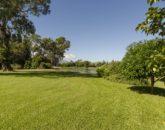 8-princeville-golf-villa_yard-800x530