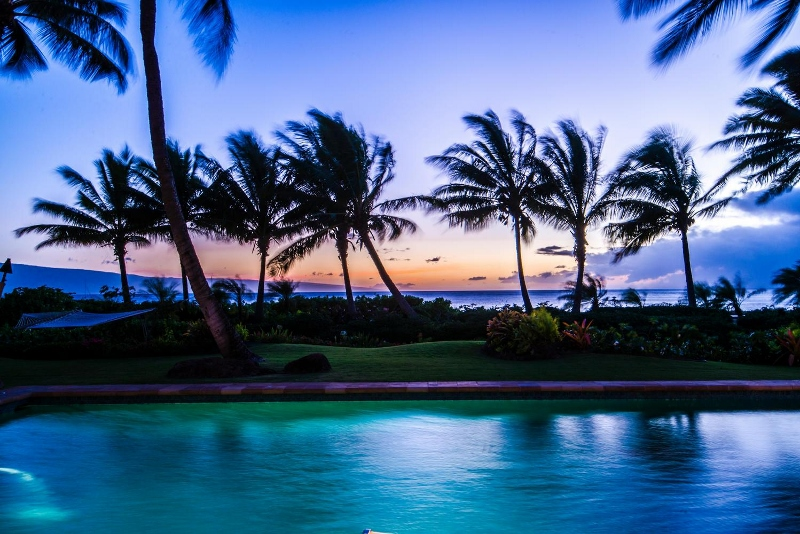 9-hawaiiana-hale_sunset3-800x534