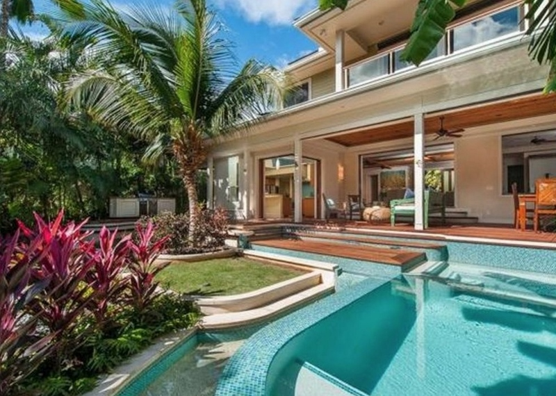 1 Tropical Retreat_pool day (800x570)