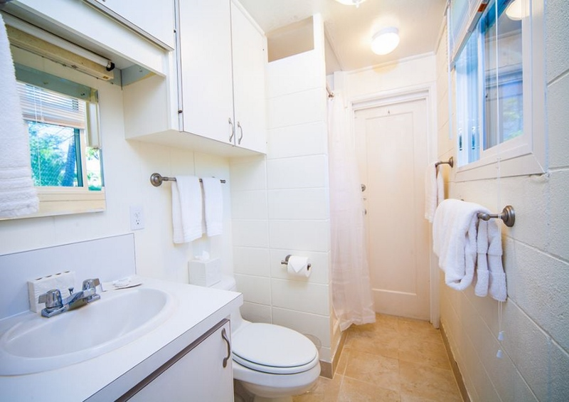 22-moana-hideaway_cottage-bath-800x565
