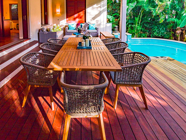 5-5-tropical-retreat_outdoor-dining2