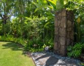 7-mokulua-cottage_outdoor-shower