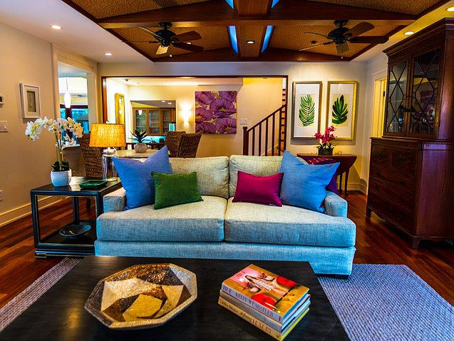 9-1-tropical-retreat_living-room2