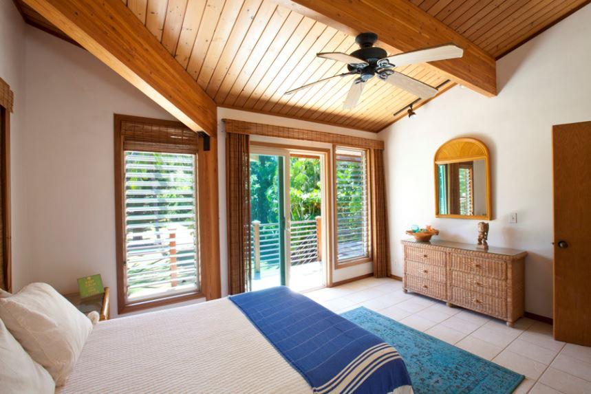 18-luana-beachfront_bedroom3-alt