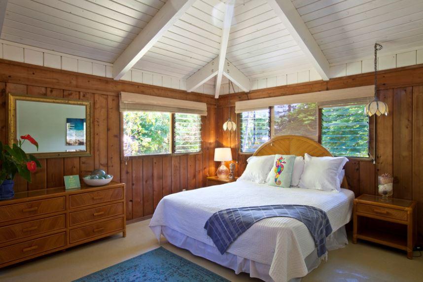 25-luana-beachfront-cottage_bedroom2