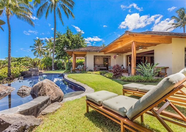 1 Hualalai Vista Estate_pool and home (640x457)