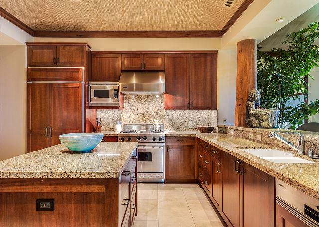 12-hualalai-oasis-estate_kitchen
