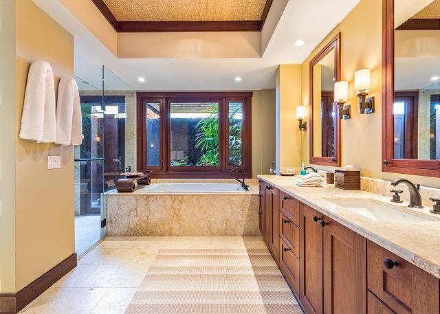 21-haliipua-villa-104_master-bath