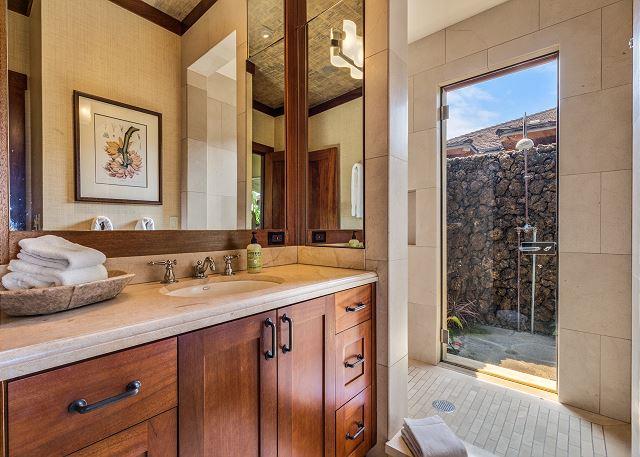24-hualalai-oasis-estate_bedroom-3-bath