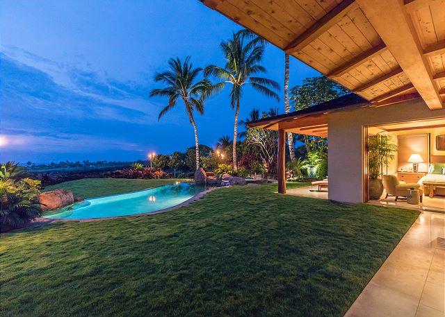 4-hualalai-oasis-estate_pool-evening