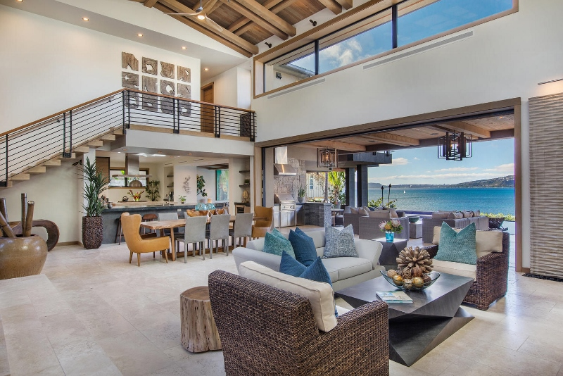 16-ocean-estate_living1-800x534