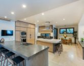20-ocean-estate_kitchen1-800x533