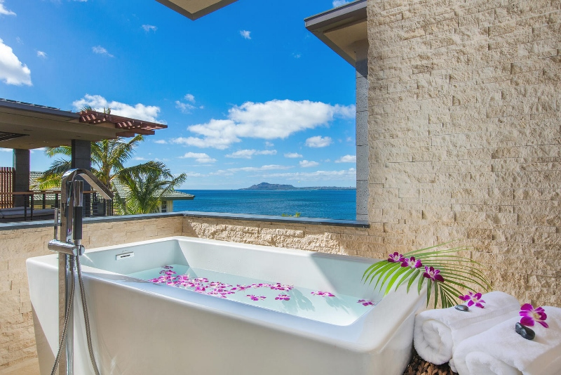 30-ocean-estate_master-bath-tub-800x534