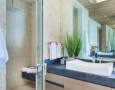 31-ocean-estate_master-bath-sink-800x533