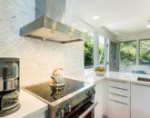 8-makalei-hale_kitchen2-800x533