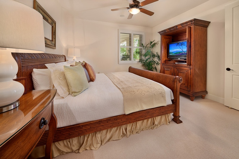 13-grand-seascape-k407_bedroom2-king-800x533