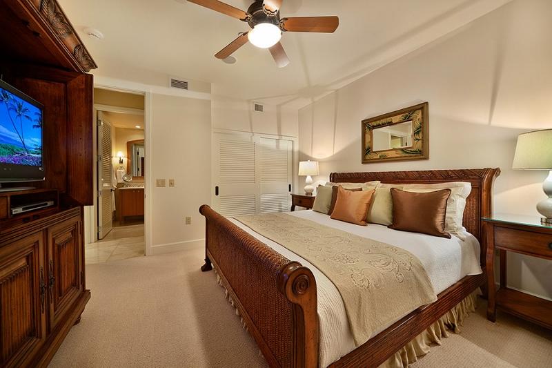 14-grand-seascape-k407_bedroom2-tv-800x533
