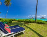 2-lanikai-by-the-sea_back-yard-chaises-800x533