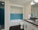 21-lanikai-by-the-sea_master-bath-shared-with-br2-800x533
