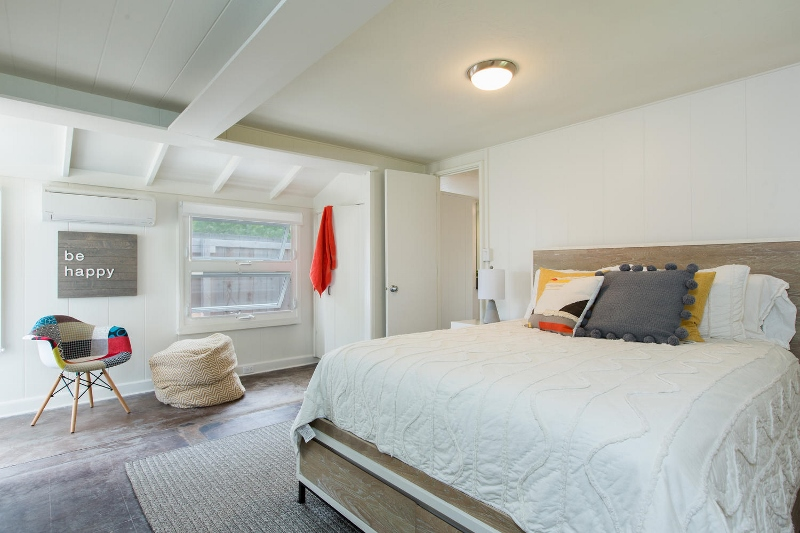 23-lanikai-by-the-sea_bedroom3-800x533