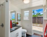 27-lanikai-by-the-sea_bath-br4-800x533