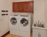 32-pacificpearl5401_laundry-800x533