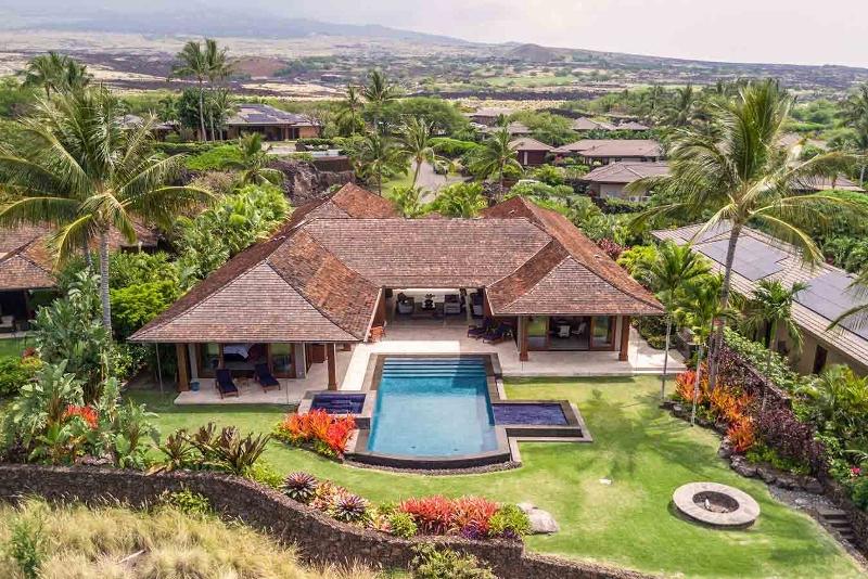 5-kahua-estate_exterior3-800x534