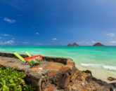 5-lanikai-by-the-sea_back-yard-sea-wall-800x533