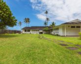 7-lanikai-by-the-sea_front-yard-800x533